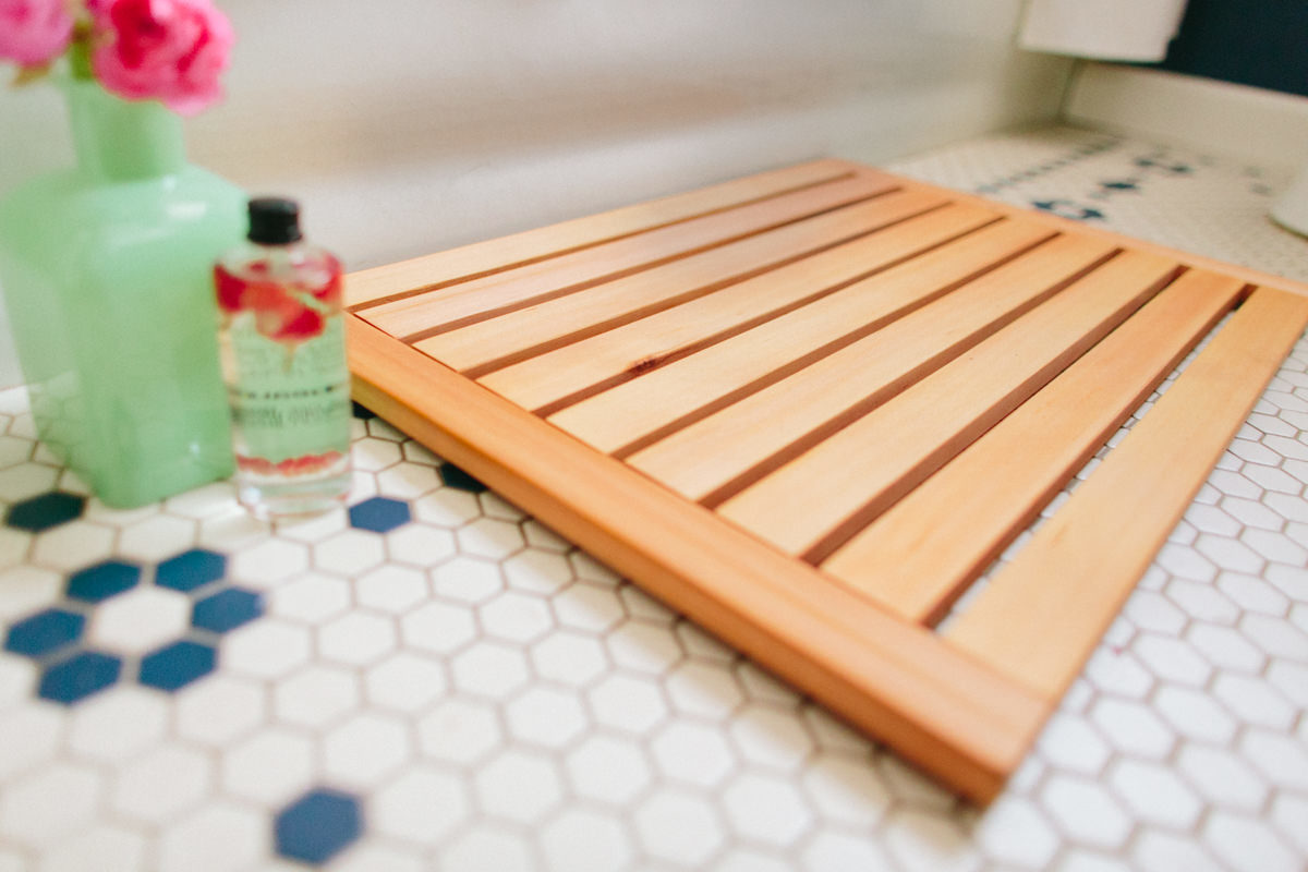 Final Cedar Wooden Bath Mat