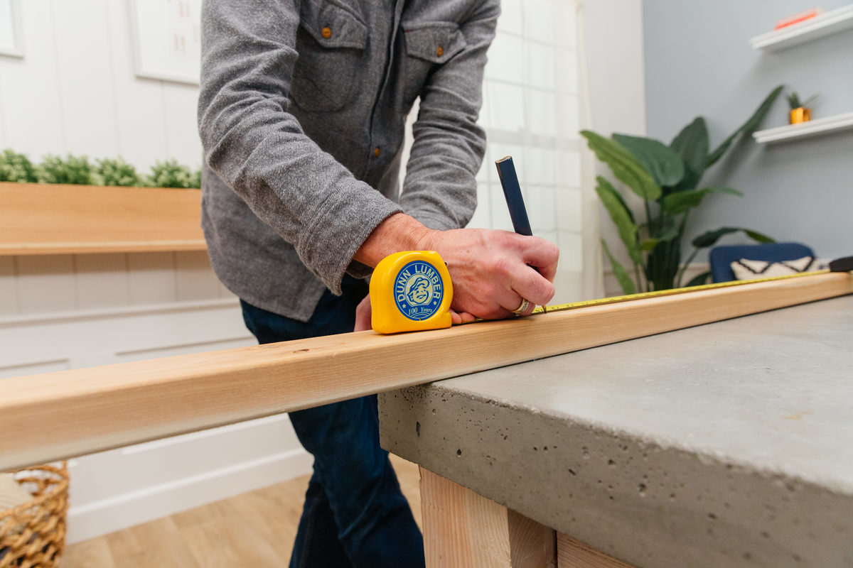 measuring for potting bench
