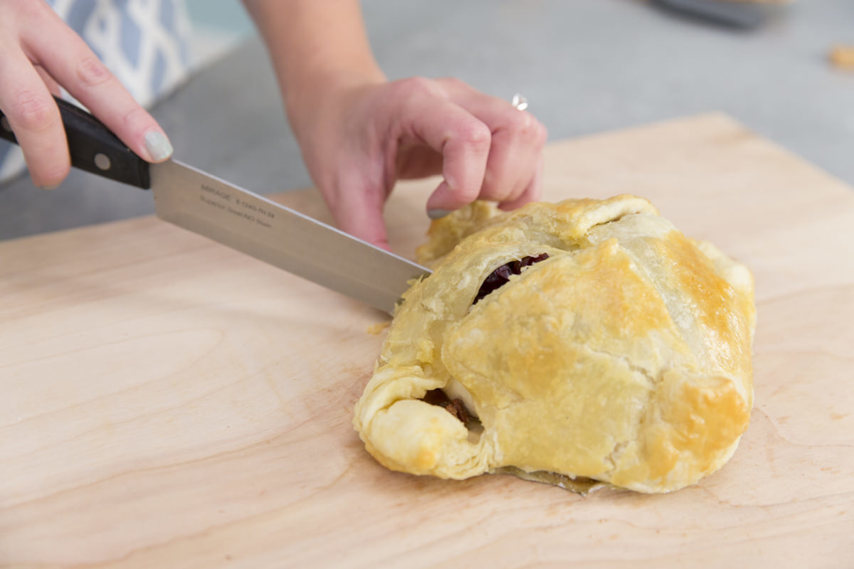 how to serve baked brie