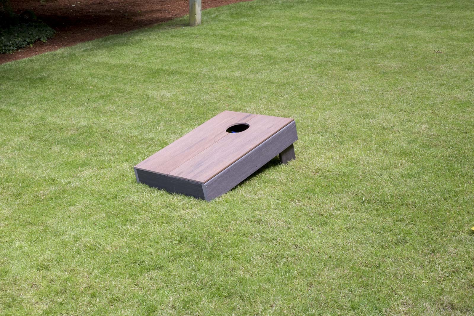 build a cornhole set at Seattle garden show