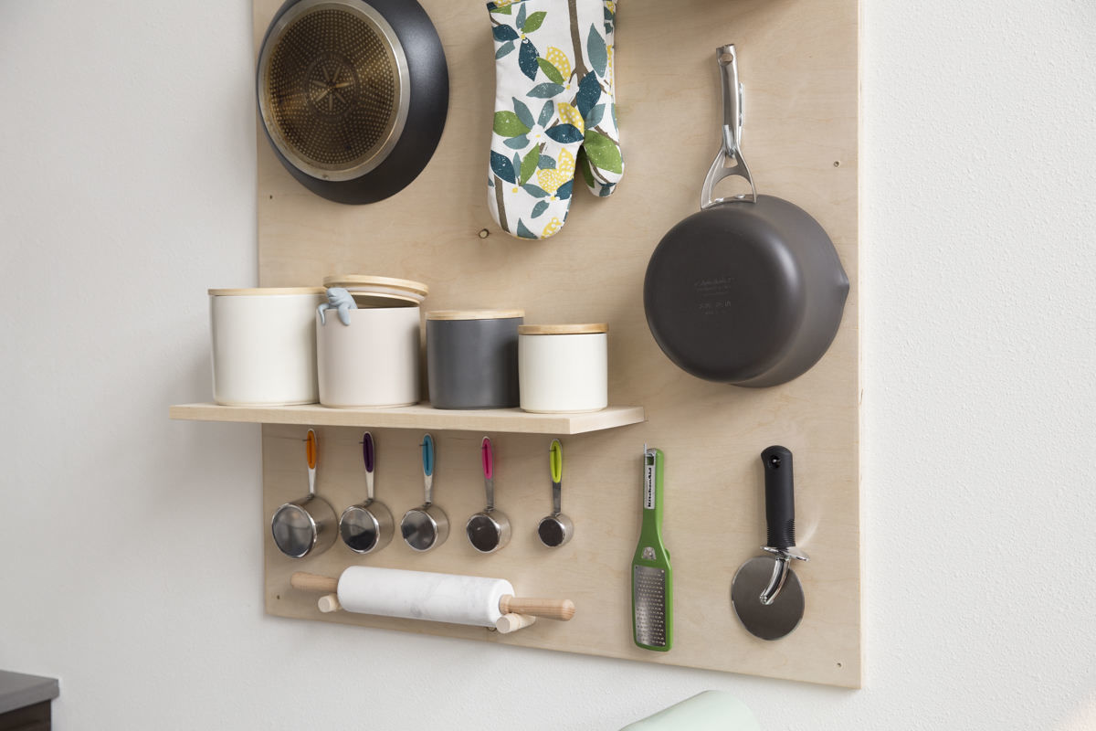 how to make a storage pegboard