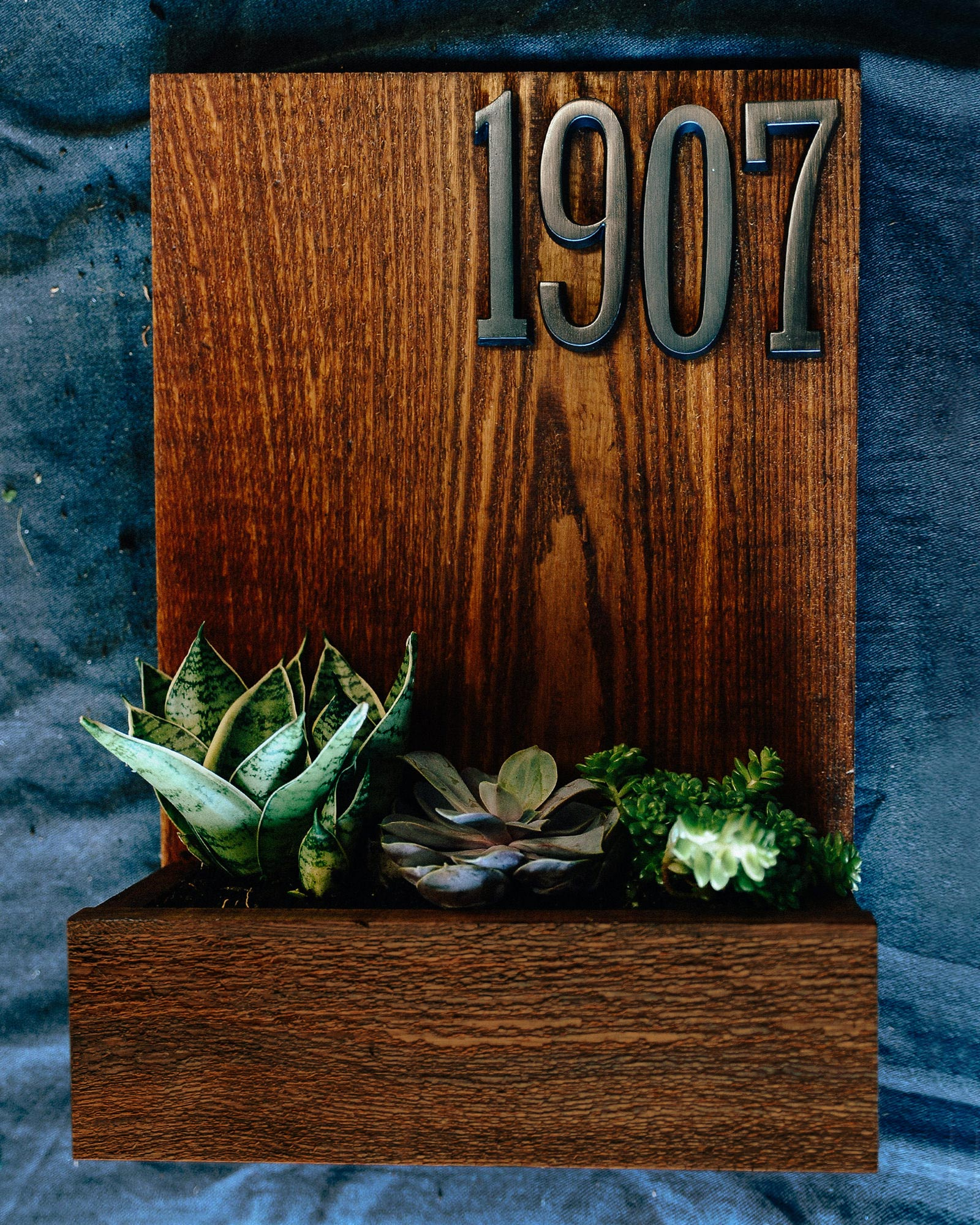 how to make a house number planter box