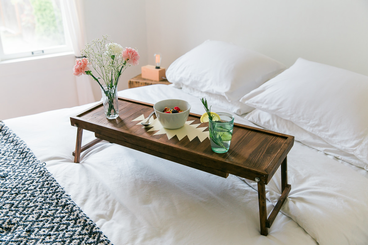 How to Make a Dual-Purpose Bathtub Caddy and Breakfast Tray