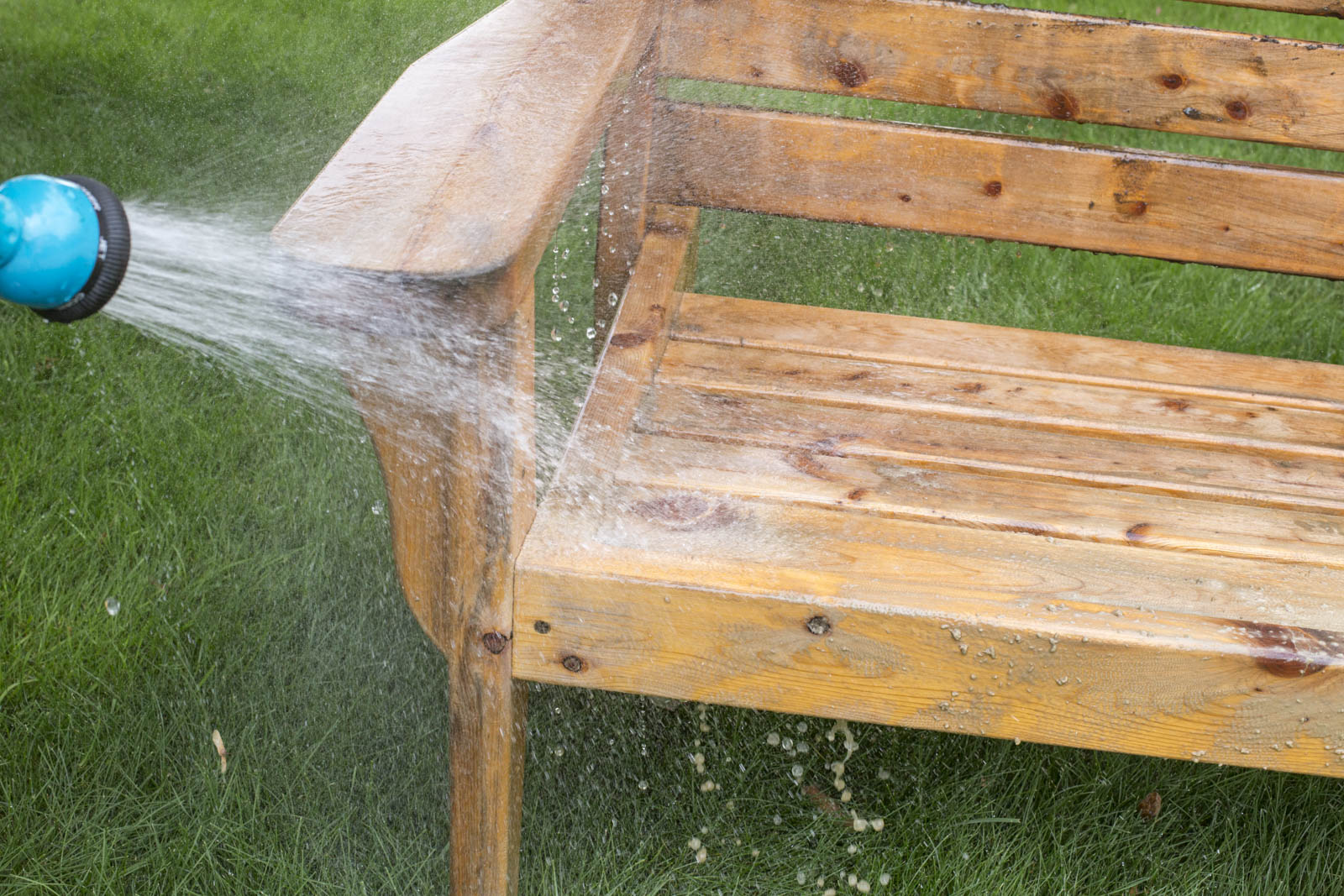 rinse bench with hose