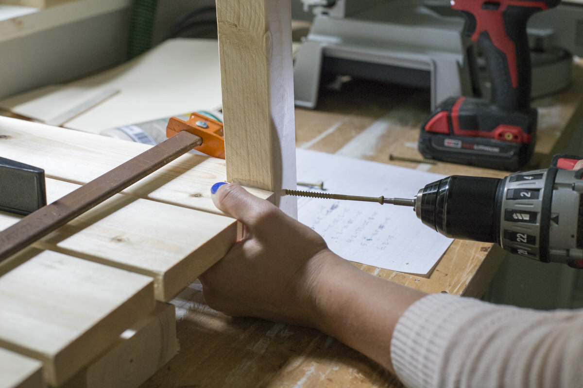 drill crate leg