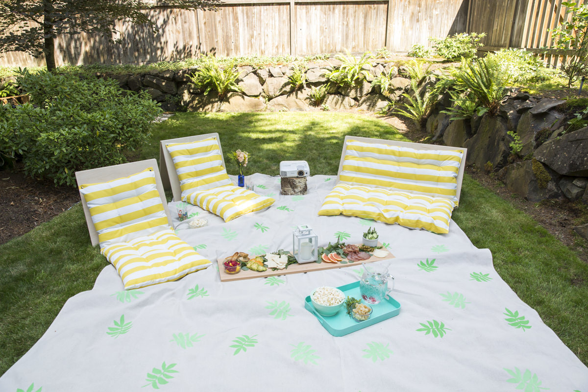 diy outdoor movie night chairs