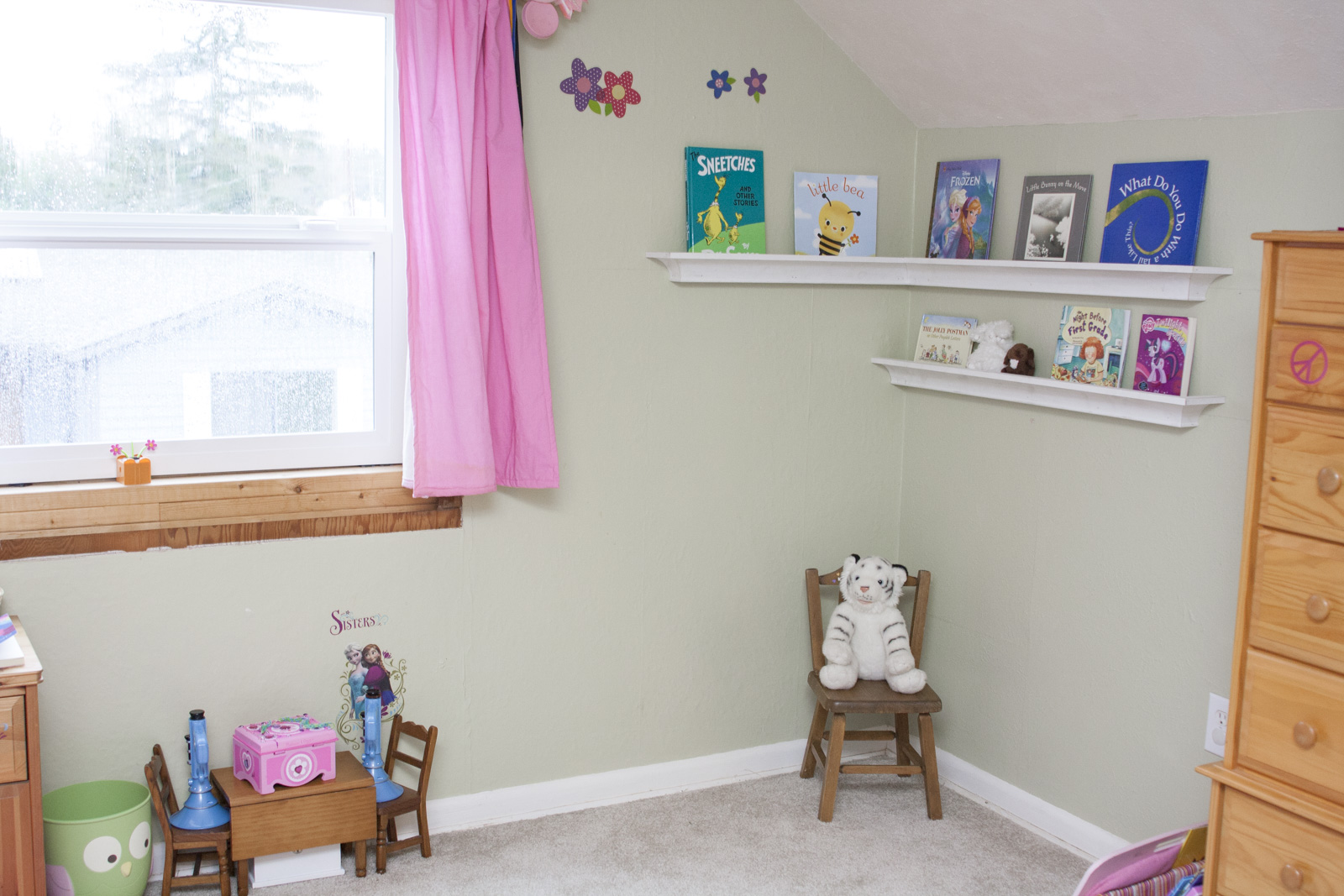 diy crown moulding bookshelf