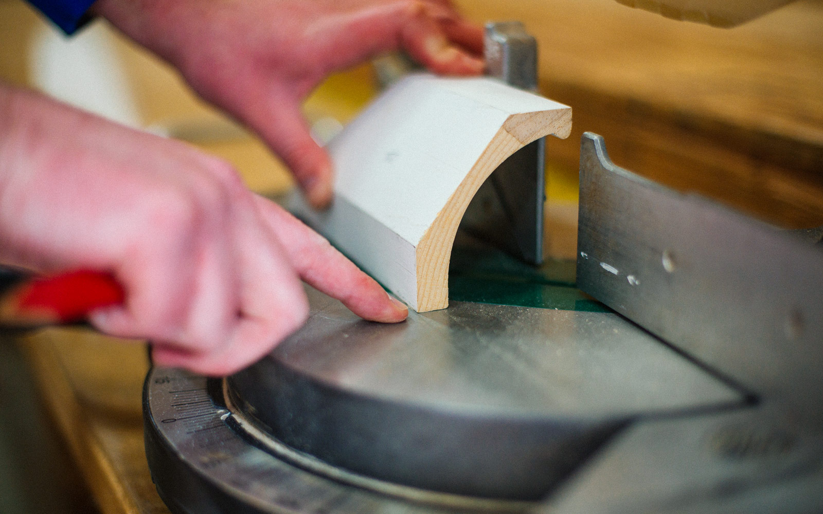 cutting crown moulding