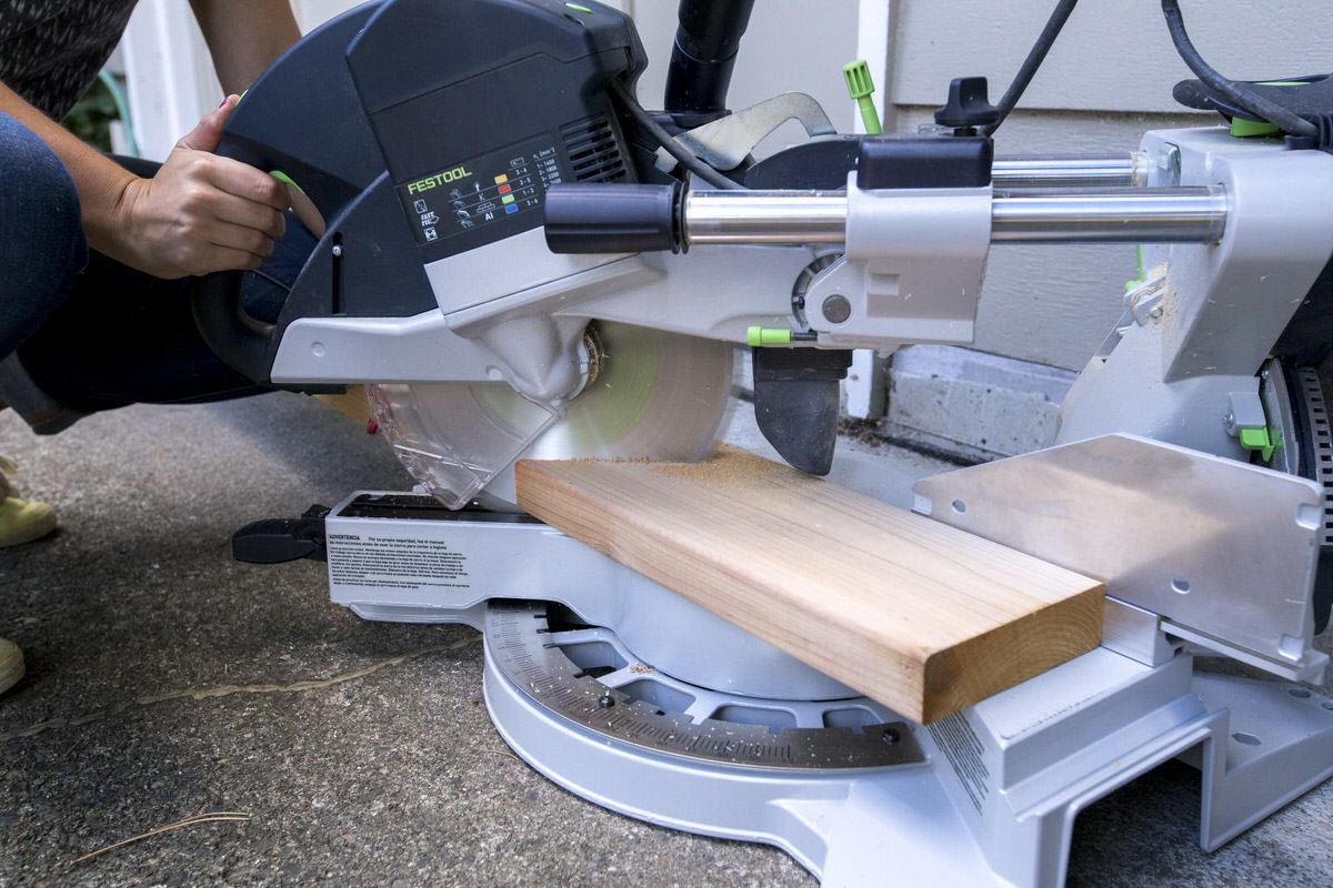 Dunn DIY How to Install Deckorators Aluminum Balusters Seattle WA 7