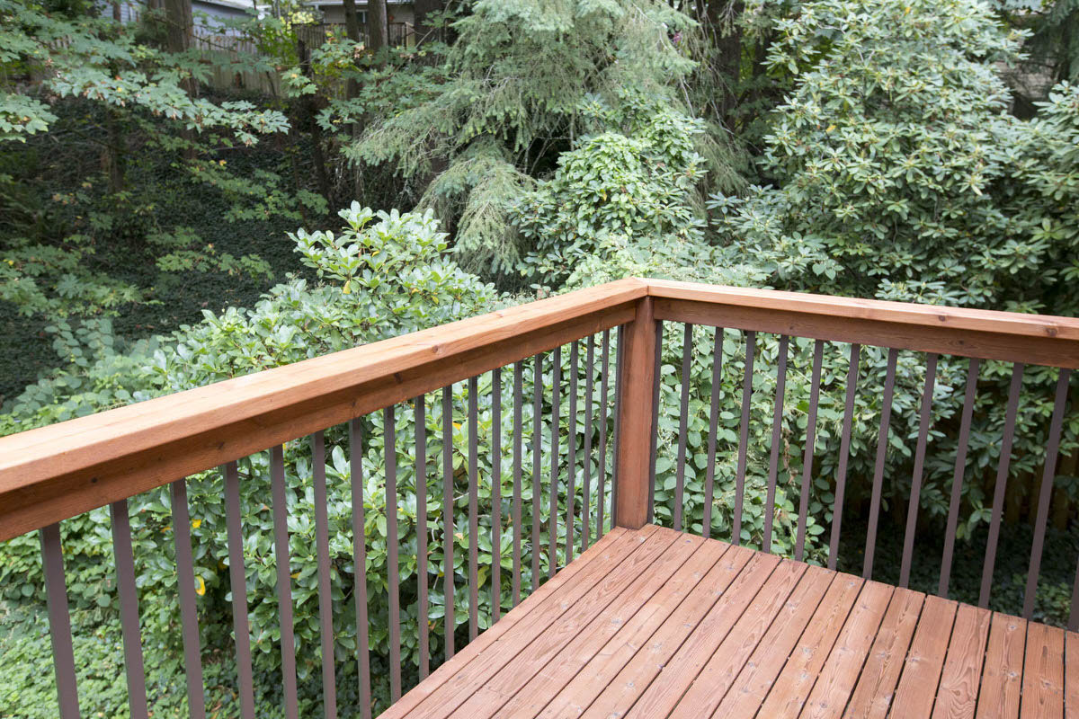 Dunn DIY How to Install Deckorators Aluminum Balusters Seattle WA 20