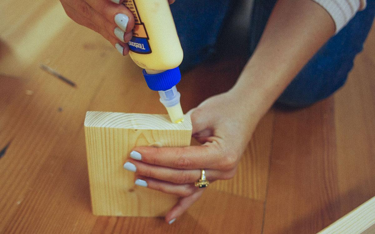wood glue display shelf
