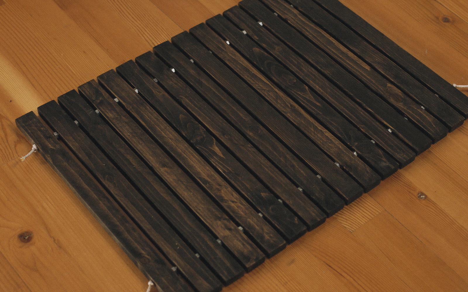 wood stake door mat