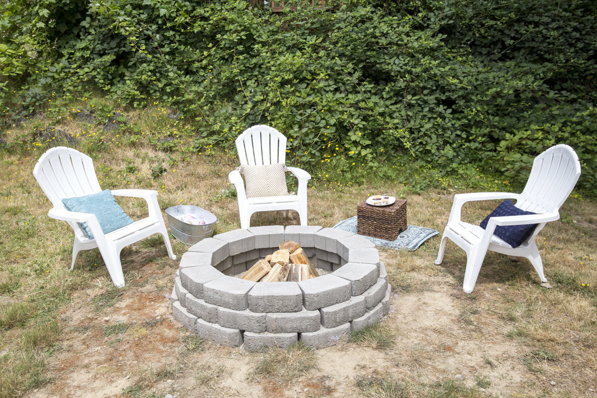 how to build a DIY outdoor fire pit