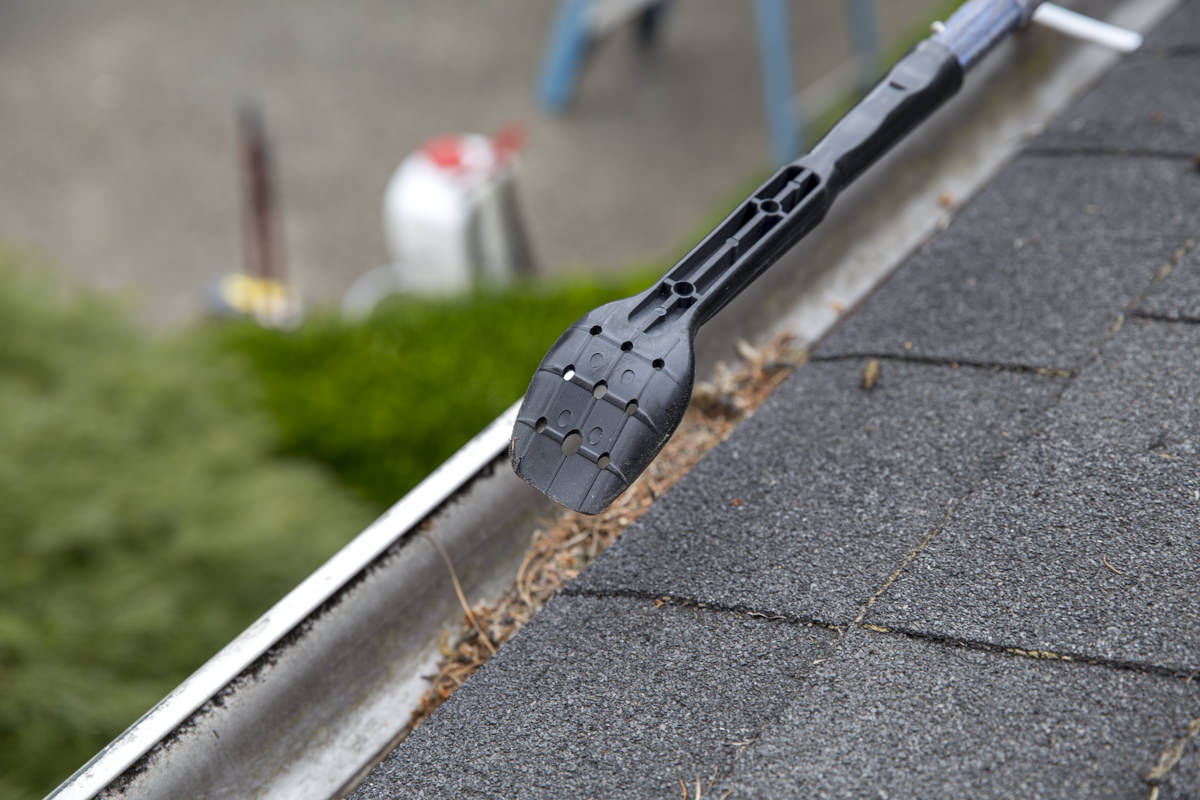 Dunn DIY How to Clean Your Gutters Like A Professional Seattle WA 7