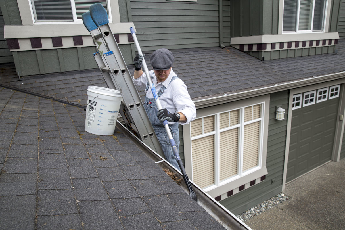 Dunn DIY How to Clean Your Gutters Like A Professional Seattle WA 4