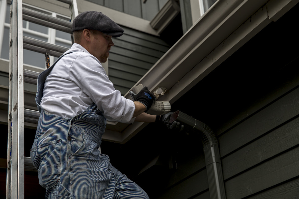 Dunn DIY How to Clean Your Gutters Like A Professional Seattle WA 11