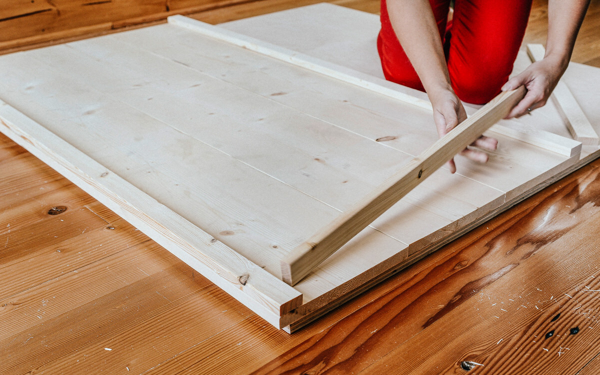 preparing diy coffee table