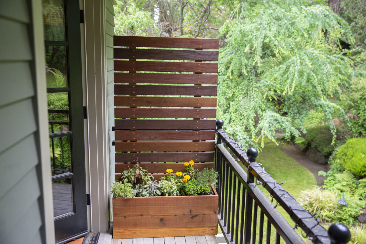 how to make a diy privacy screen planter
