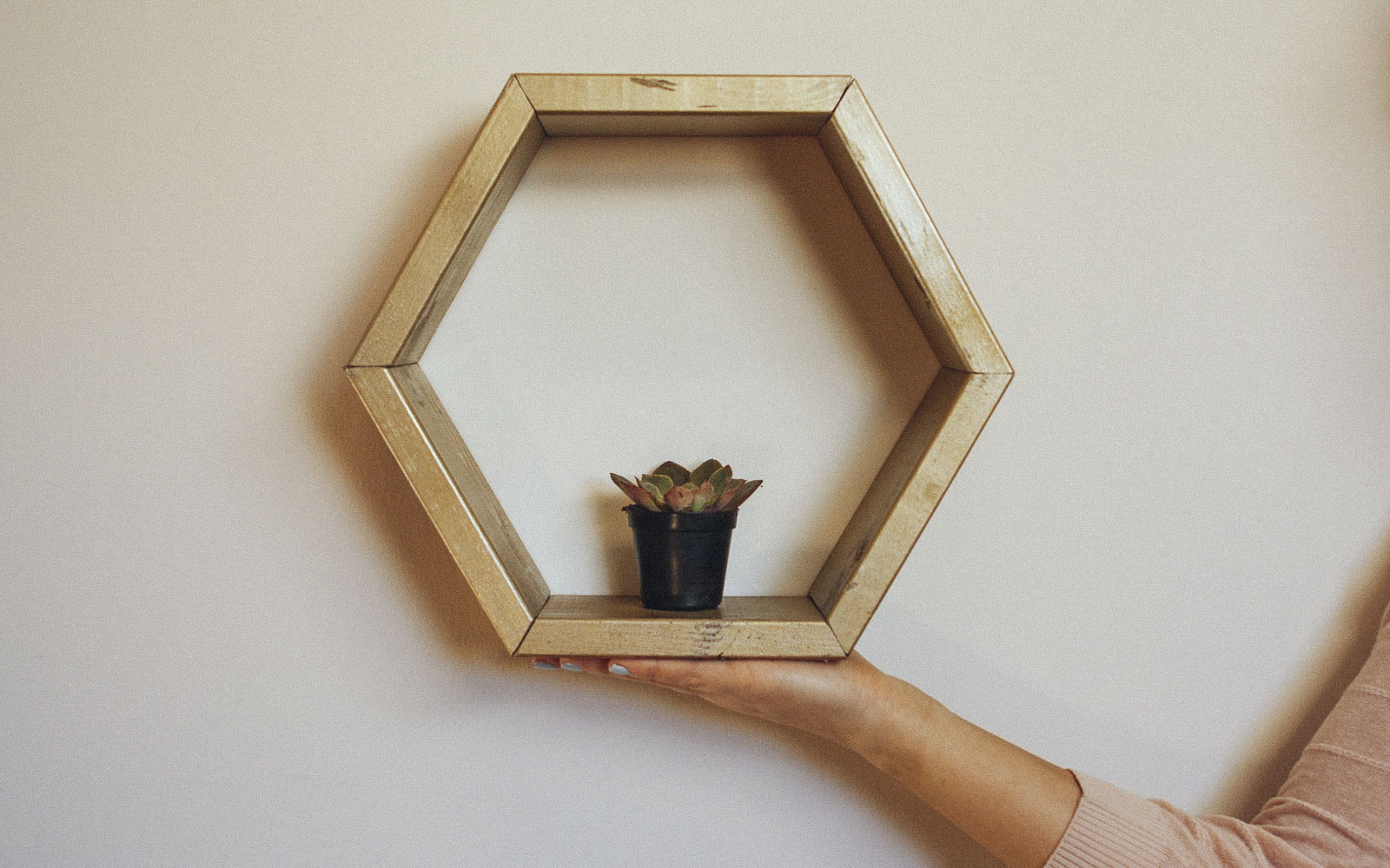 how to make a hexagon shelf