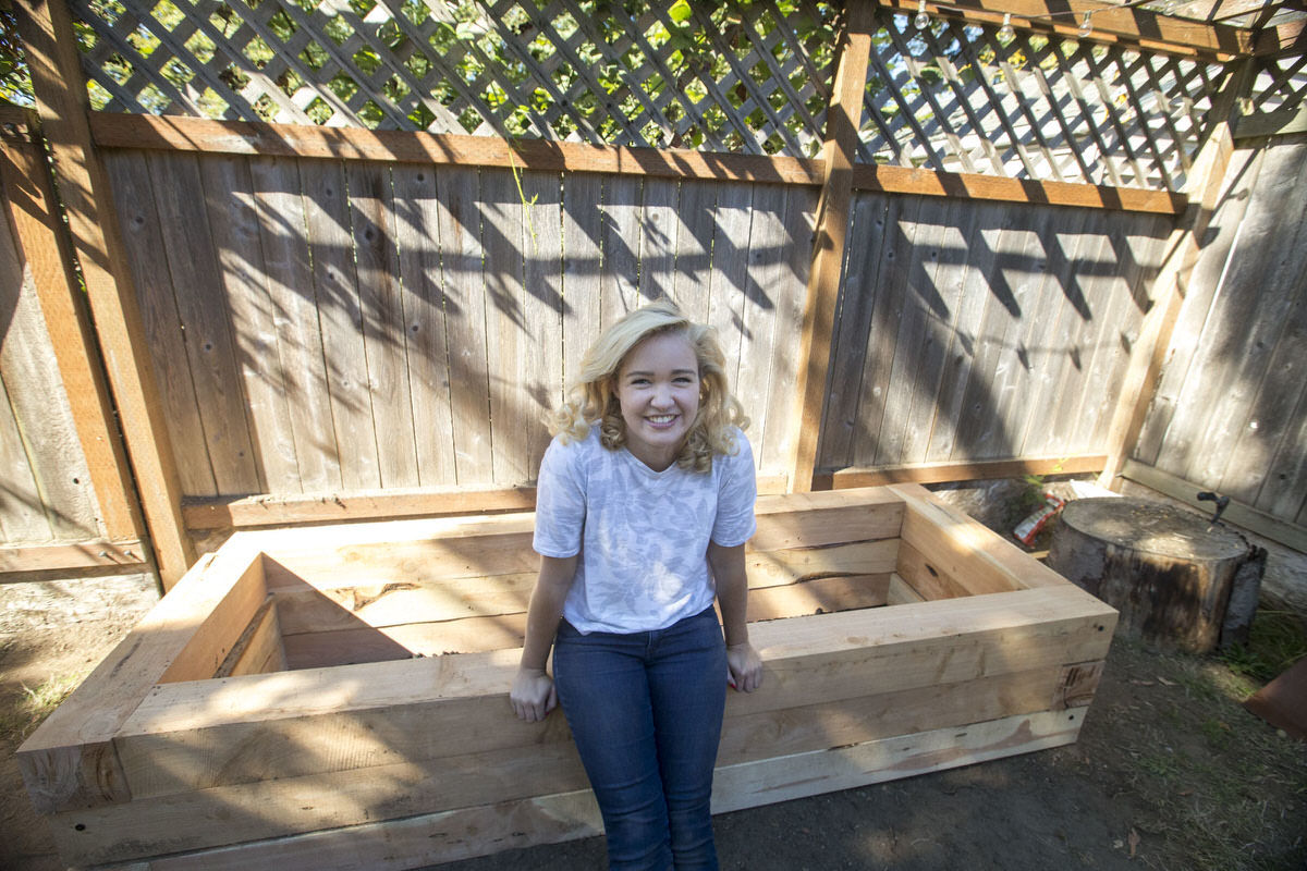 make a juniper raised bed at Seattle garden show