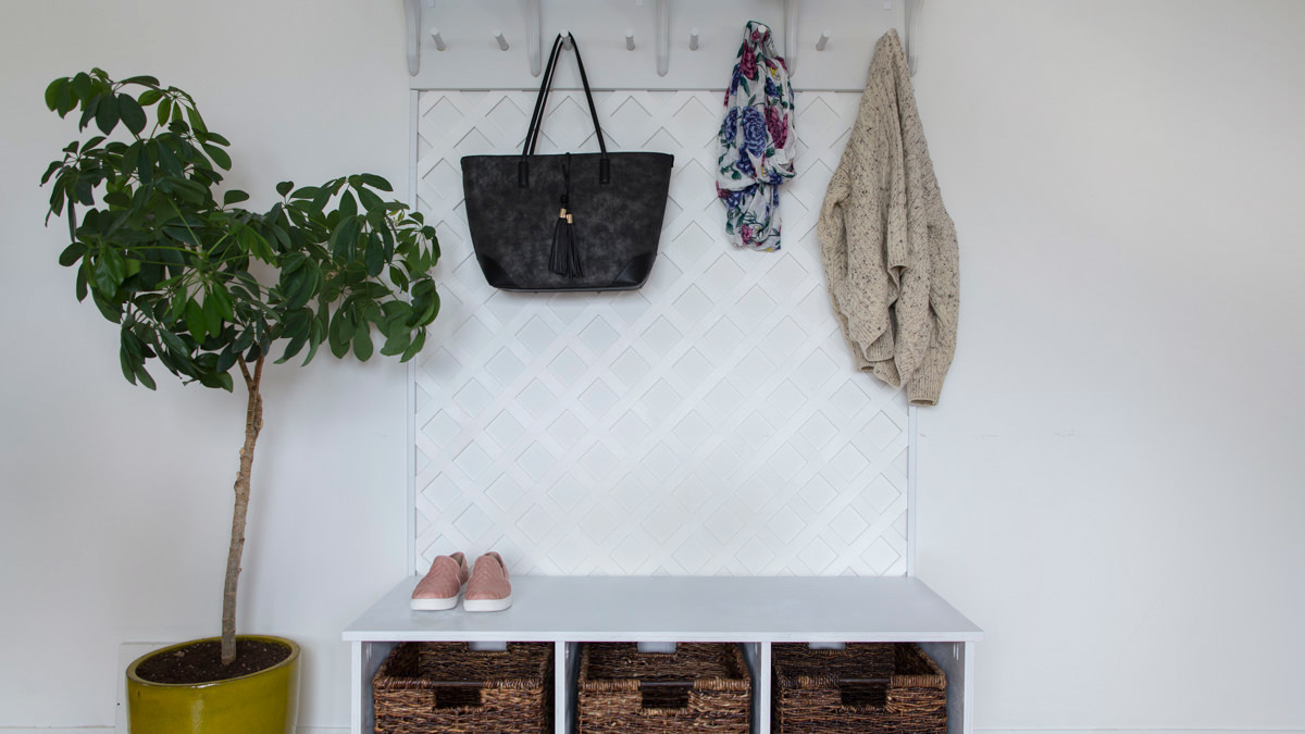 how to make a lattice coat rack for your entryway