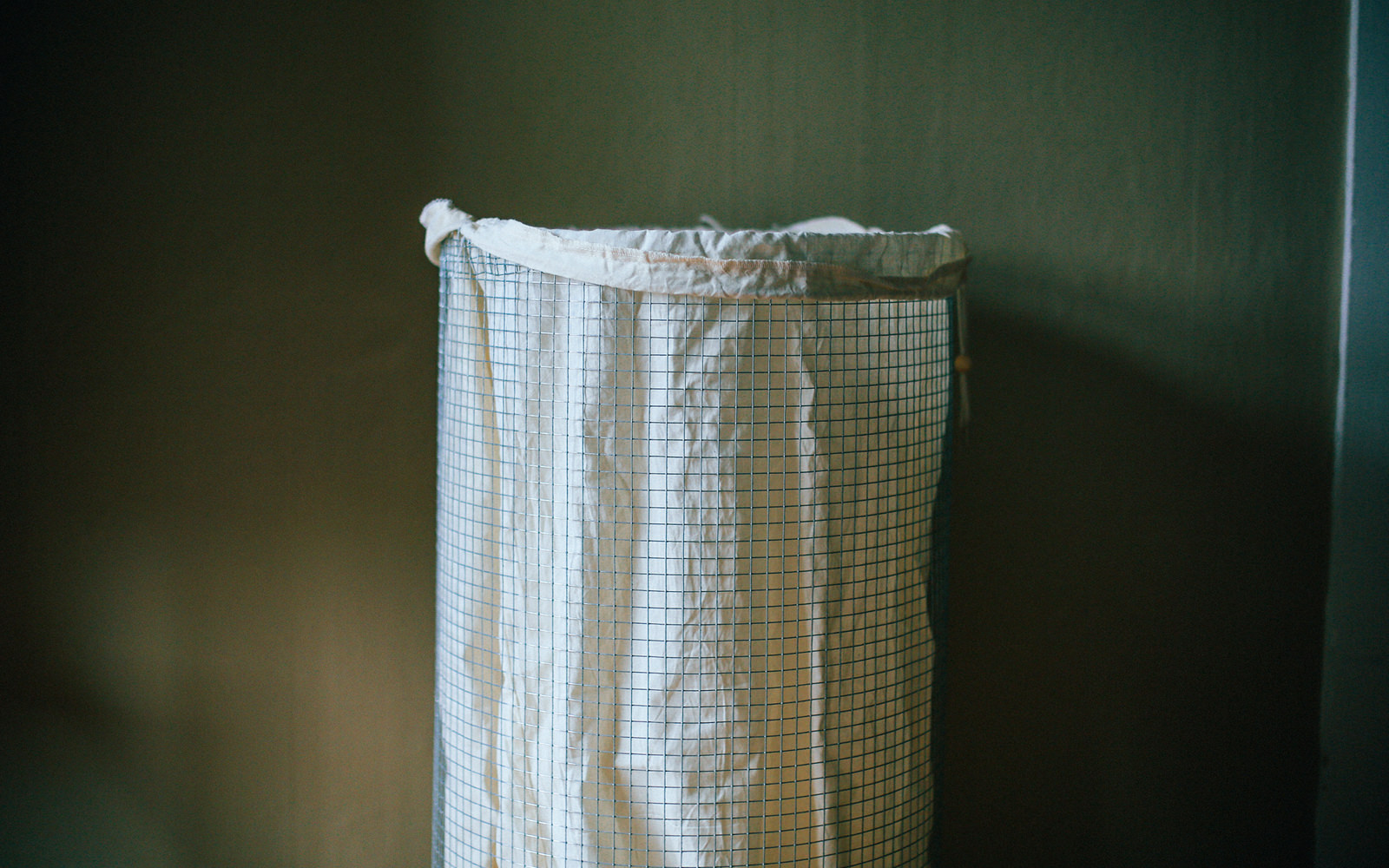 how to make your own diy laundry basket