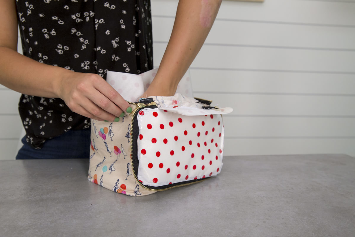 securing lining in diy lunch box