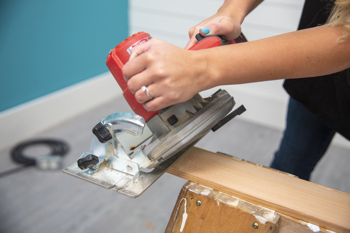 circular saw cutting at angle