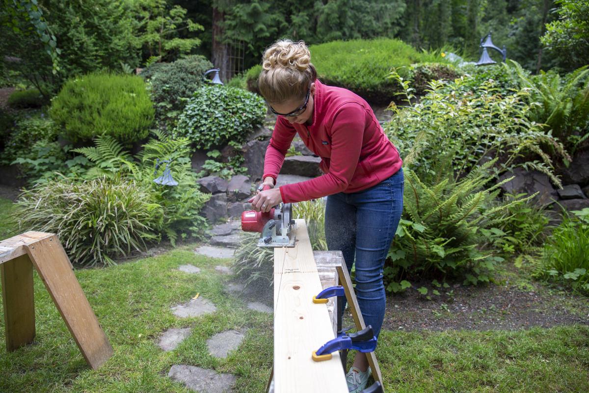 using circular saw on wood