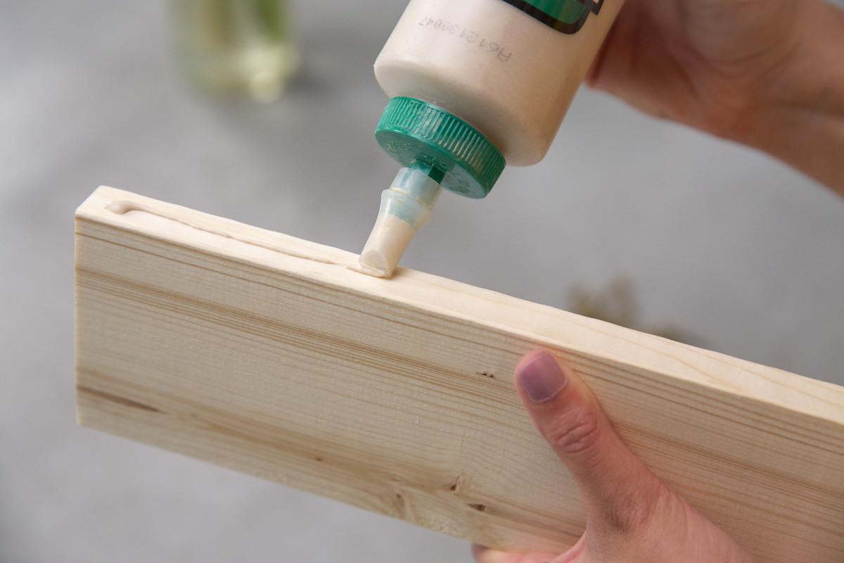 wood glue in use