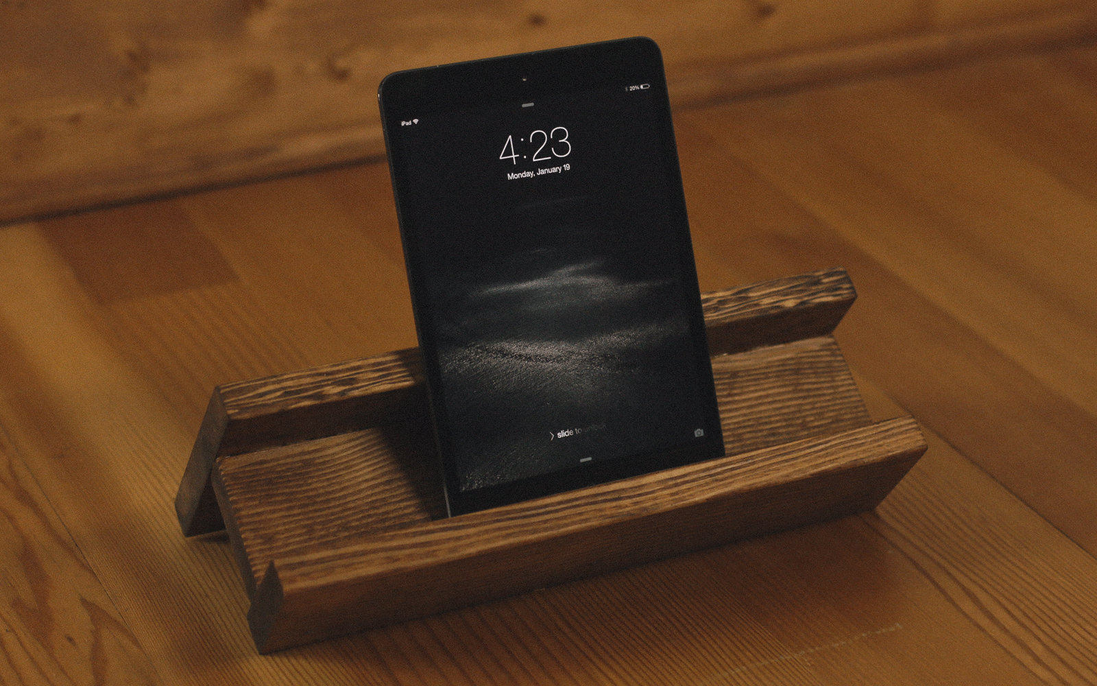 diy tablet stand how to make a tablet stand dunn diy. Black Bedroom Furniture Sets. Home Design Ideas