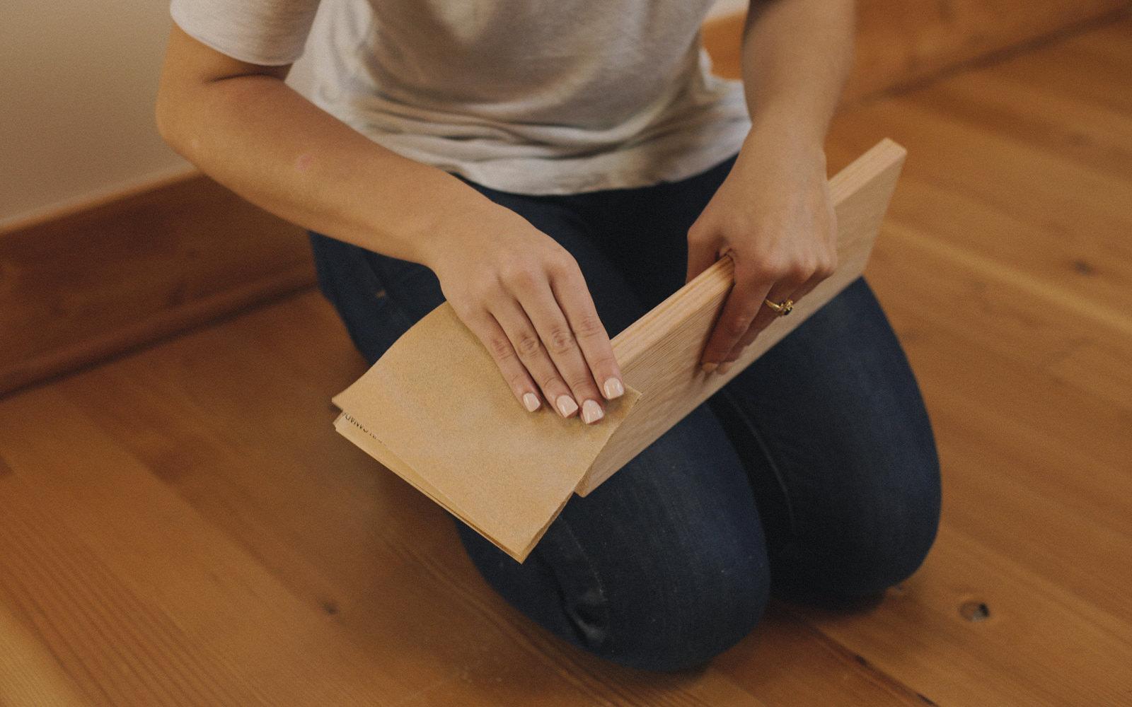 sanding tablet standing