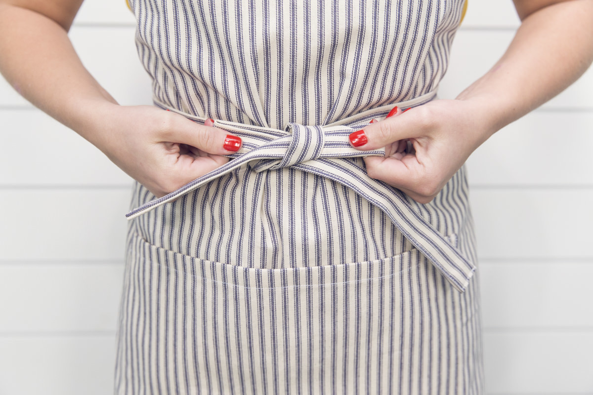 diy apron string bowtie