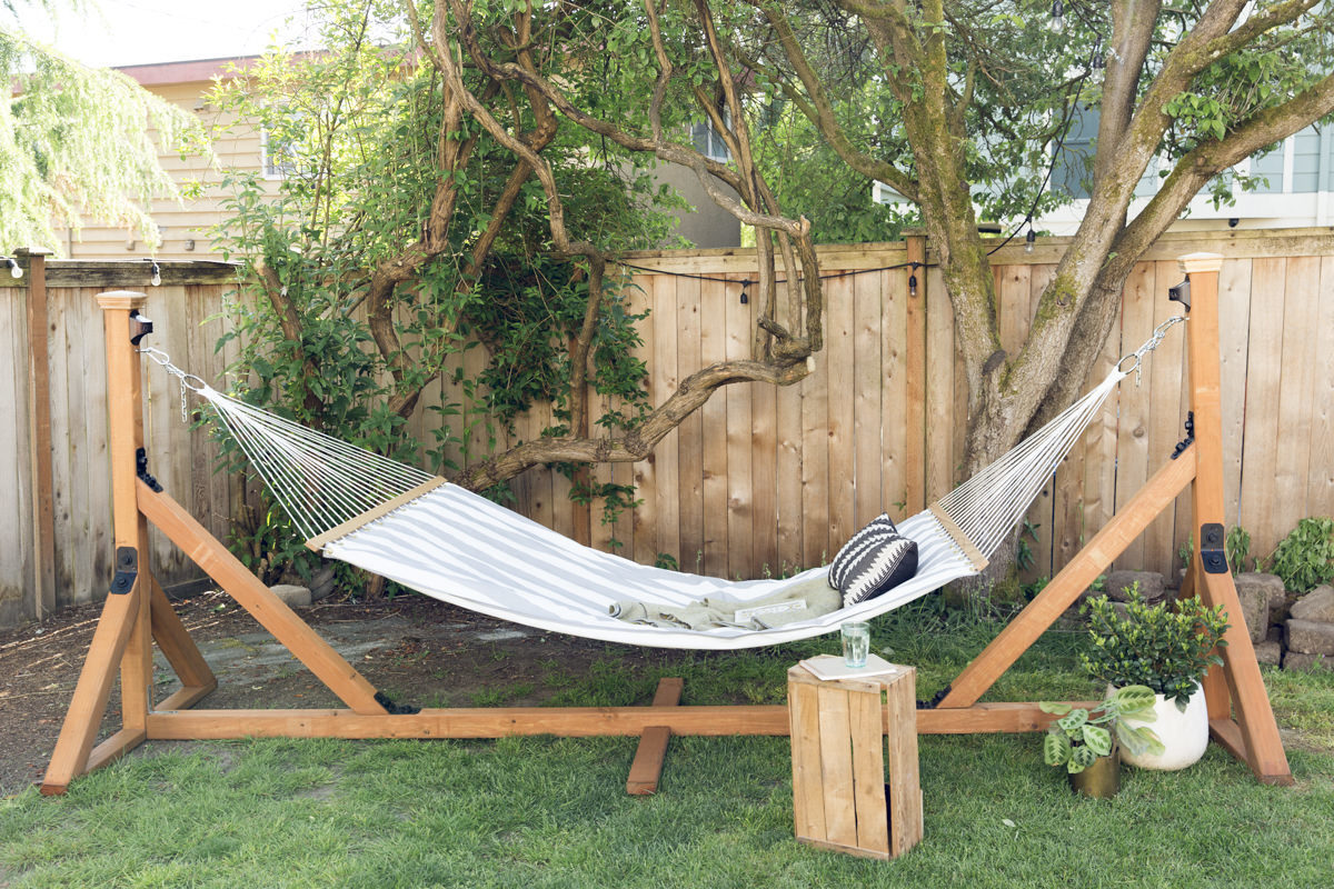 make a hammock stand at Seattle garden show