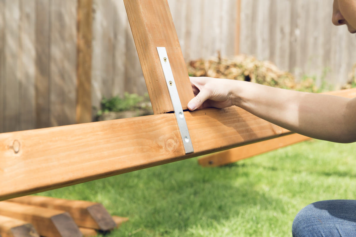 attaching hammock stand foot
