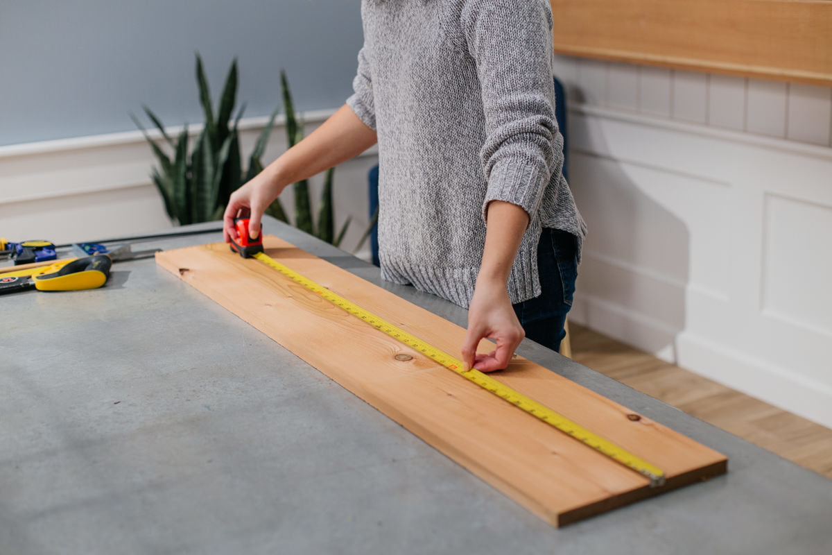 measuring the width of cedar board