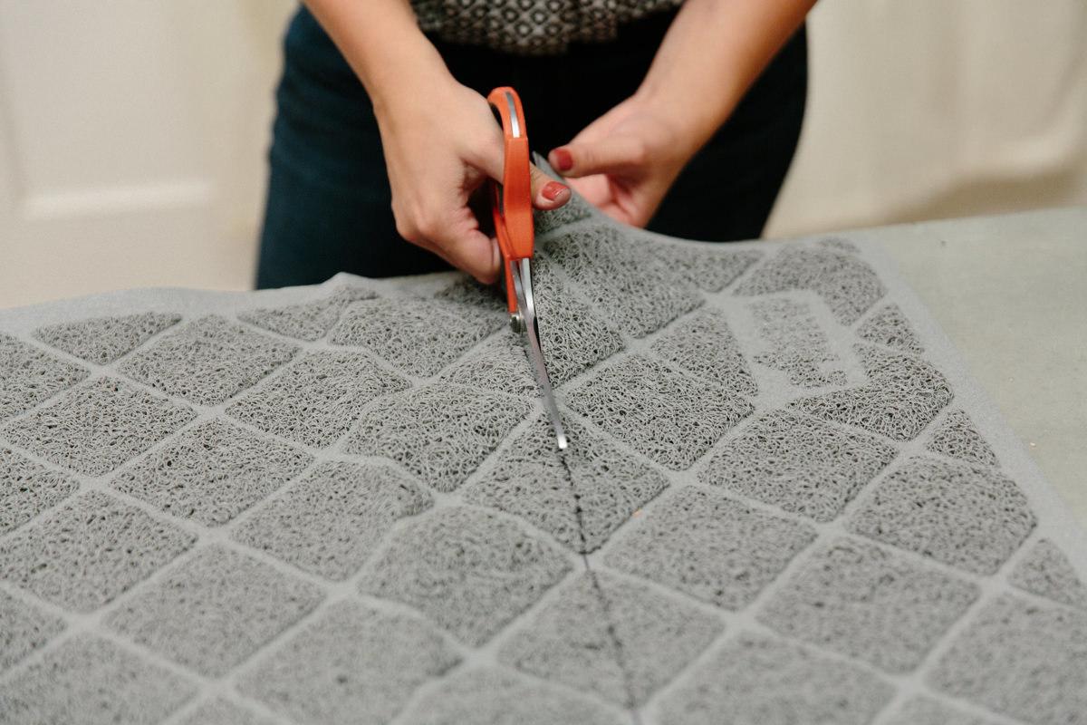 cutting litter mat
