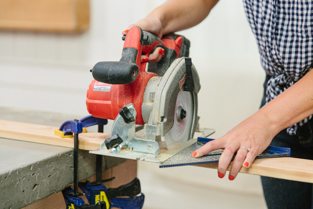 cutting with circular saw