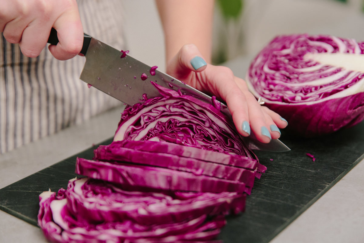 cutting red cabbage