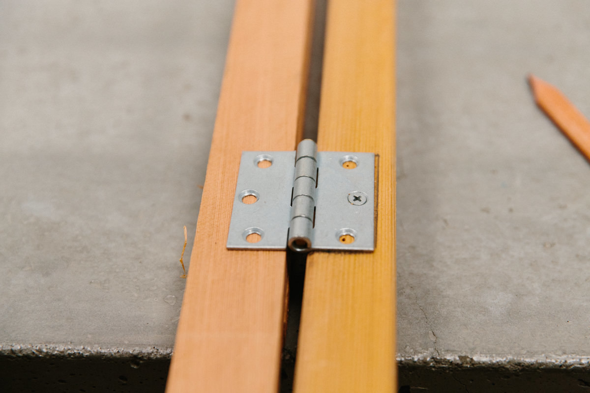 leave a gap for the hinge pin