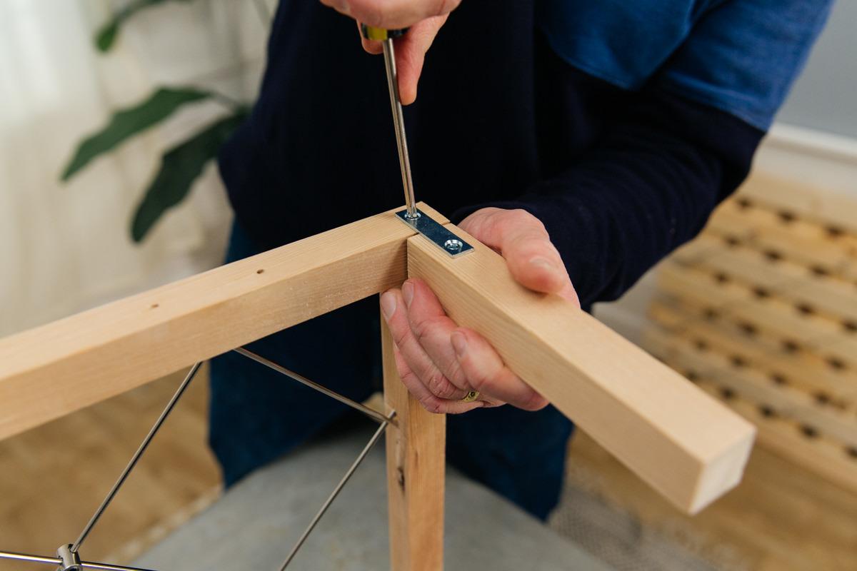 attach each leg to rack