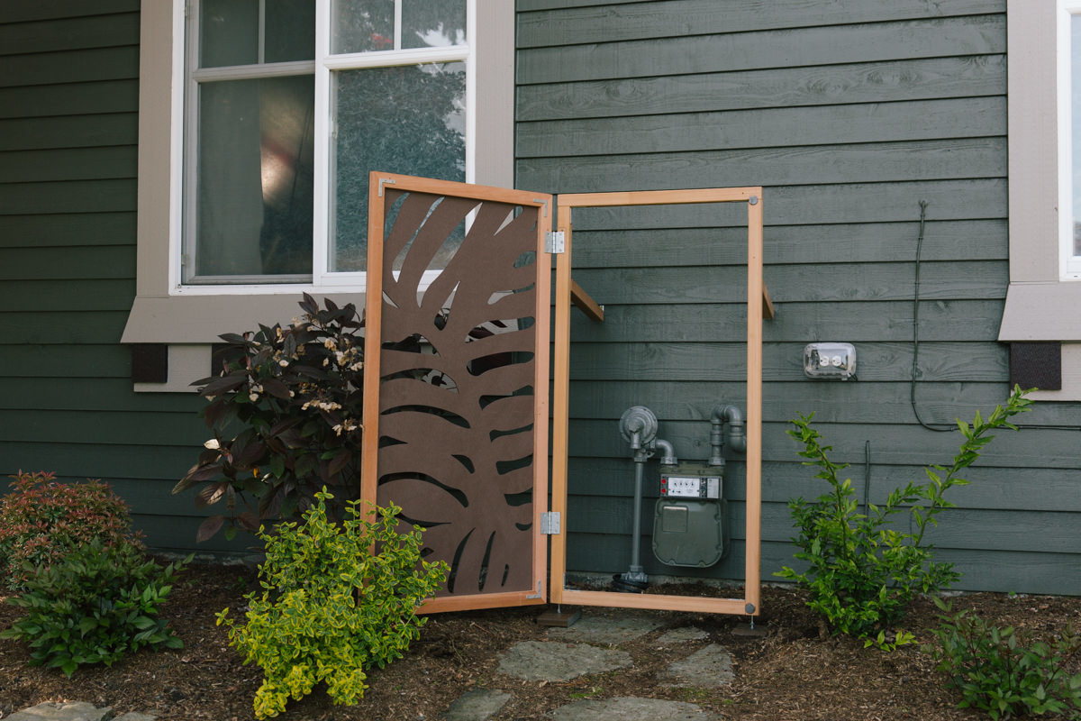 how to make a decorative utility screen