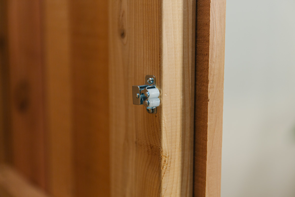 install latch and handle