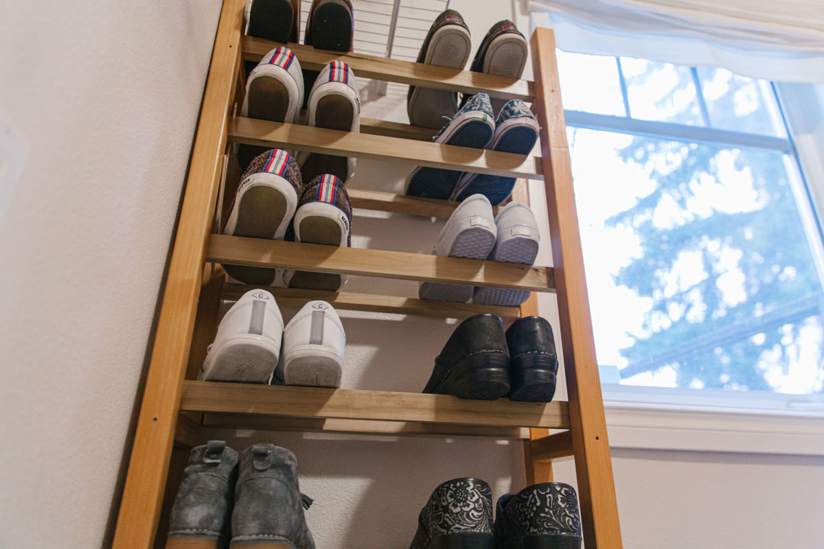 how to build a wooden shoe rack
