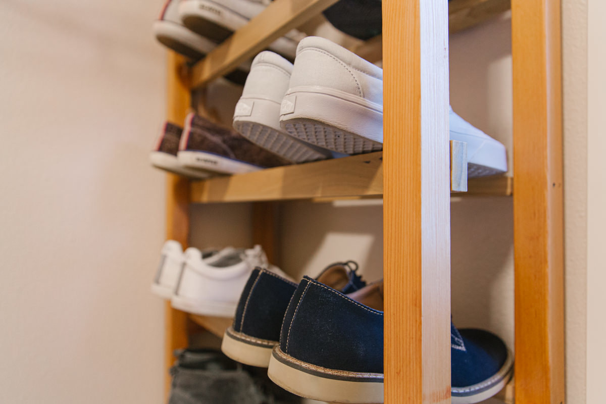 How to Build A Wooden Vertical Shoe Rack