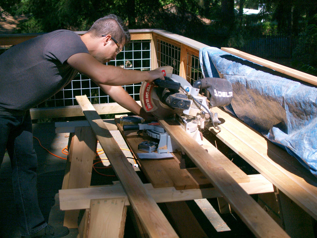 using saw on fence boards