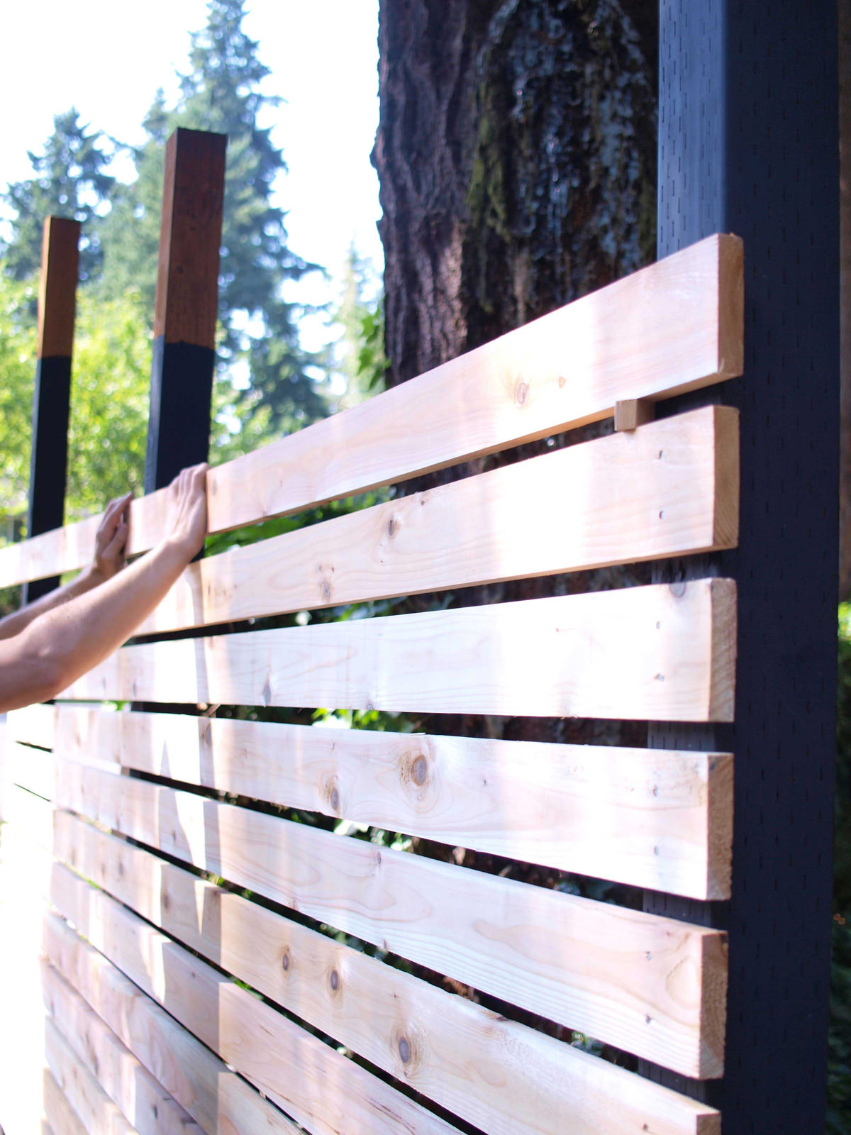 modern horizontal fence diy