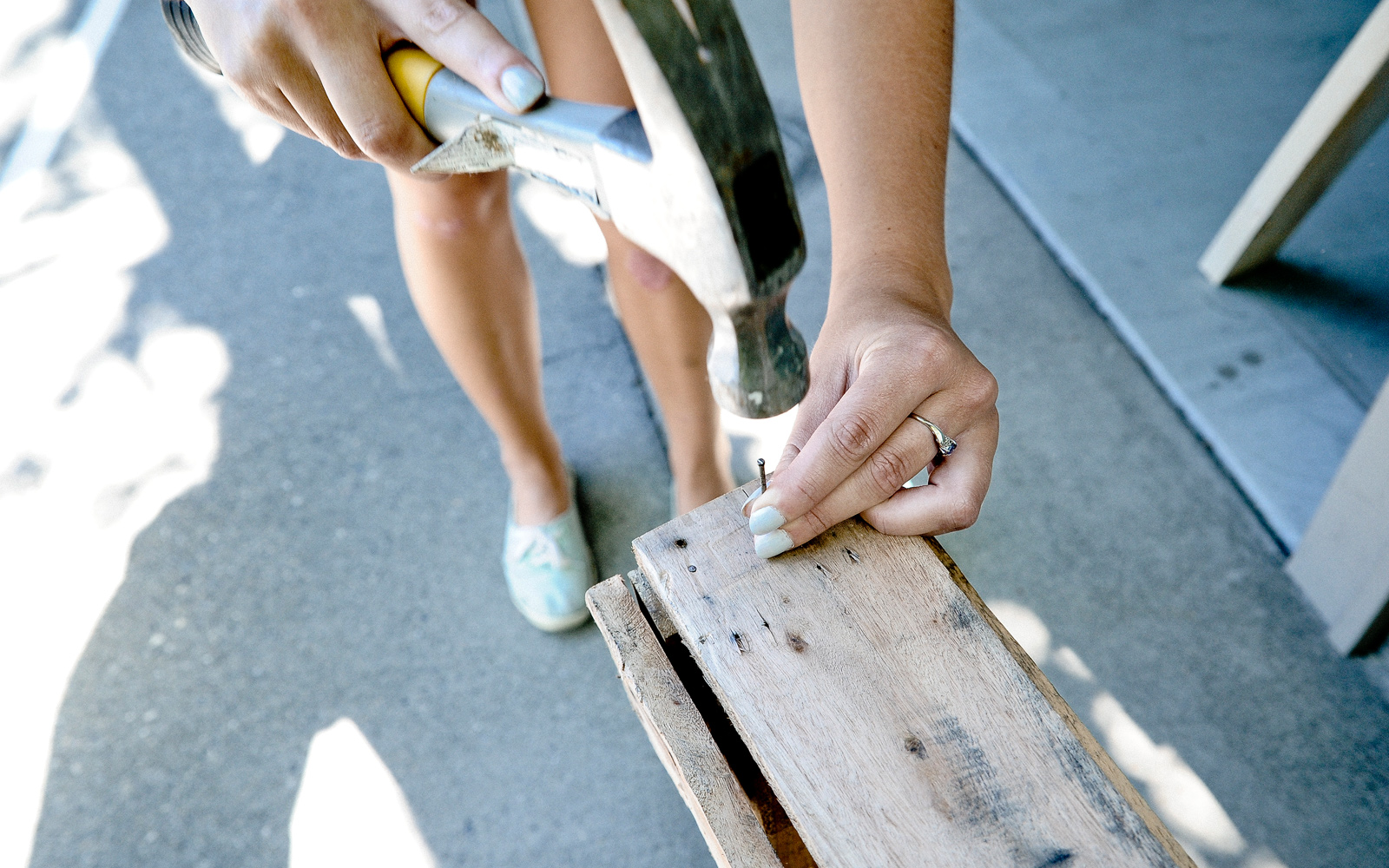 hammering pallet coat rack