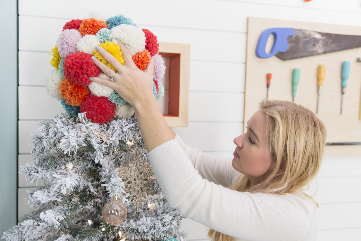 Dunn Diy Pom Pom Tree Topper 50