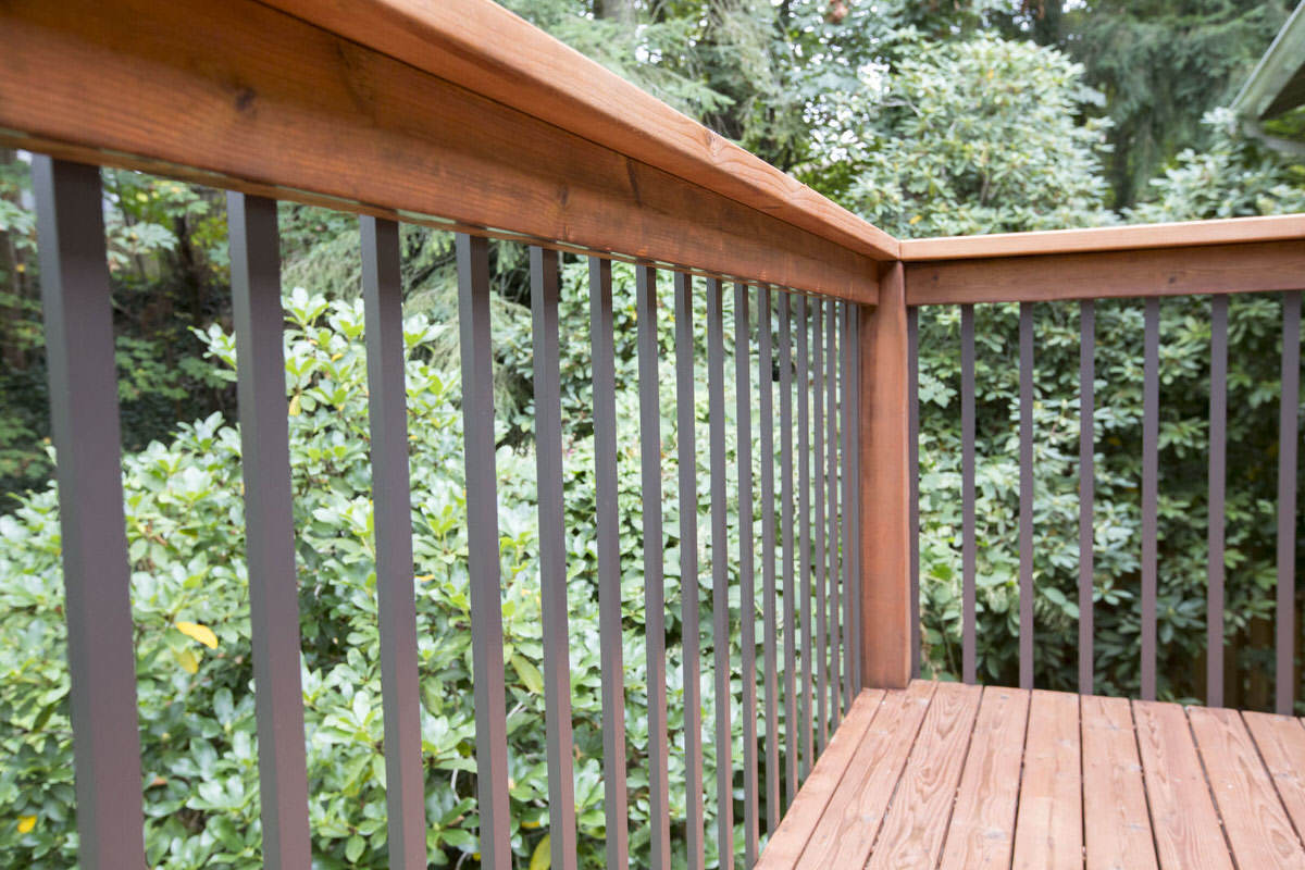 Installing deck railing aluminum balusters for deck dunn lumber diy expert advice print this project solutioingenieria Choice Image